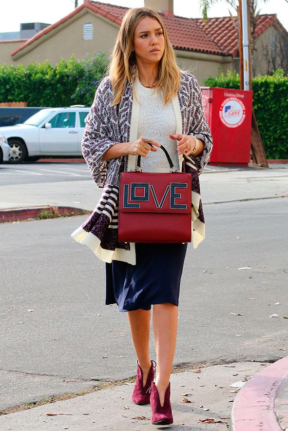 Jessica Alba carries LOVE bag in LA | Fashion, Trends, Beauty Tips ...