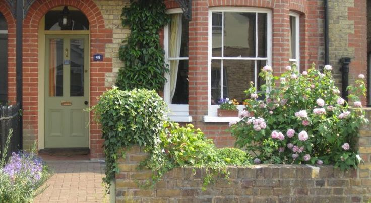 Grange Guest House Bishops Stortford 600 metres from the train station, with links to Cambridge, London and Stansted Airport, this family-run Victorian guest house offers bed and breakfast accommodation.