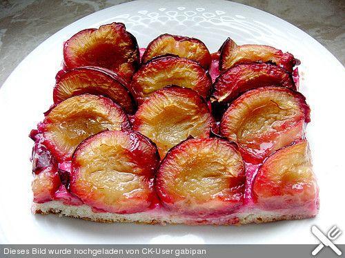 Zwetschgenkuchen mit Quarkölteig
