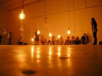 Condemned-bulbes (Du 9 au 21 octobre 2012 aux Champs Libres)  Une création du studio de création numérique Artificiel :  Alexandre Burton, Jimmy Lakatos, Julien Roy (Montréal)