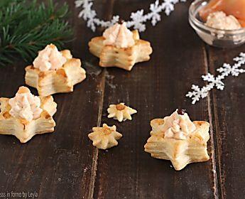 Vol au vent al salmone a forma di stella, antipasto di Natale
