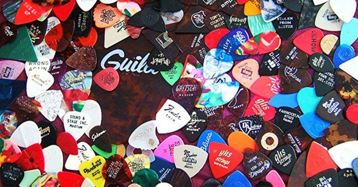 La púa de guitarra: algo más que un trozo de plástico