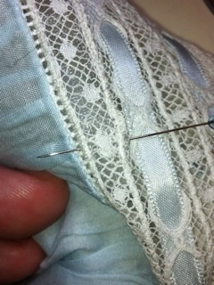 Sew Beautiful Blog: No need to cry over torn lace!