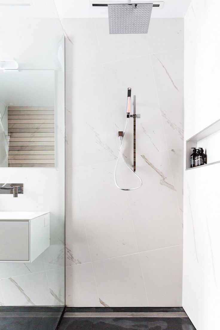 Marble shower l White oversized shower #theblock #stylecurator