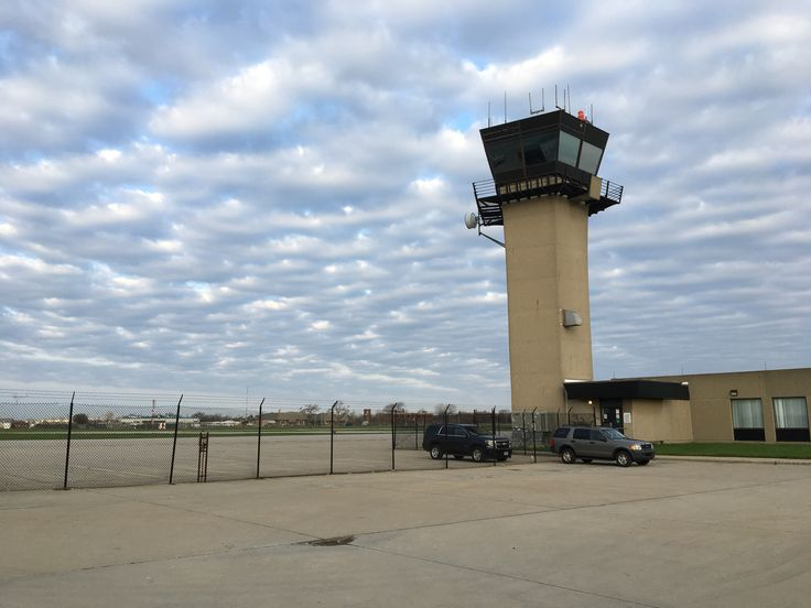 City airport receives donation to help restore youth aviation training programs - Crain's Detroit Business
