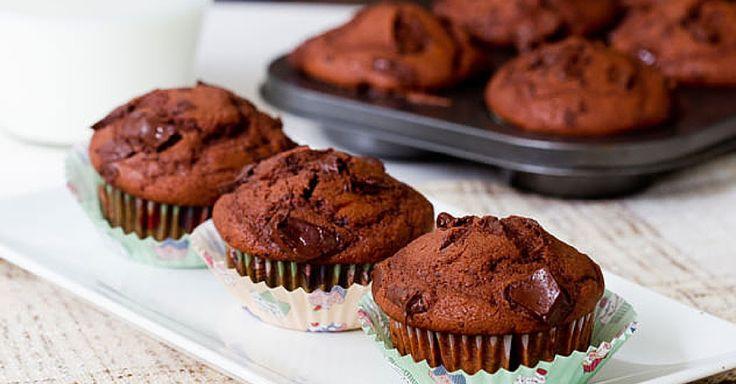 Extra čokoládové muffiny ze šlehačkového těsta + Videorecept