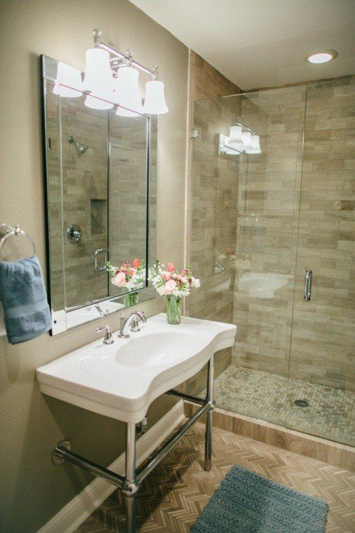 Best 87 bathroom images on pinterest home decor for Joanna gaines bathroom designs