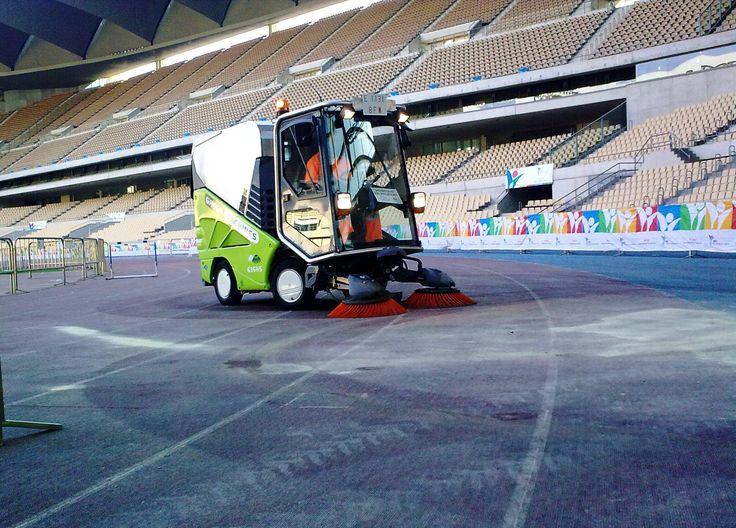 #Spazzatrice stradale Tennant 636 #GreenMachines en el estadio de La Cartuja de Sevilla