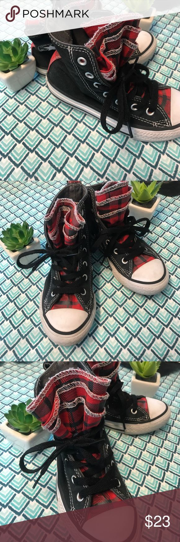 Unique converse Black and plaid red Black converse. Plaid red and charcoal grey tongue. I love the tongue and how it hugs the ankle even when the top laces aren't tied :) large converse logo on the inside ankle of each shoe 👌🏼👌🏼❤️❤️ Converse Shoes Sneakers