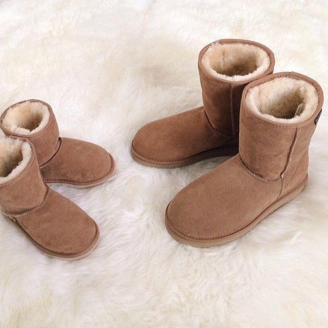 Like mother, like daughter...New Zealand made Sheepskin Boots. Как у мамы...теплые сапоги-УГГИ из натуральной двусторонней овчины производства Новой…