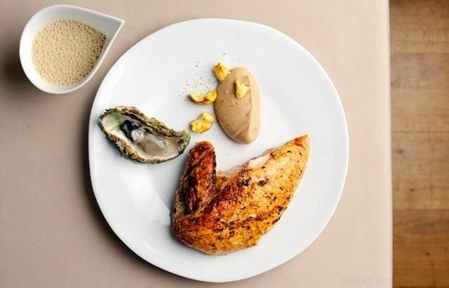 Roast capon with hay, chestnut pulp, Guinness and oyster sauce - Pascal Aussignac