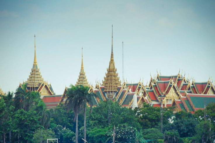 Here's what you'll find along the Chao Phraya River in Thailand http://townske.com/guide/13055/along-the-chao-phraya-river-in-bangkok