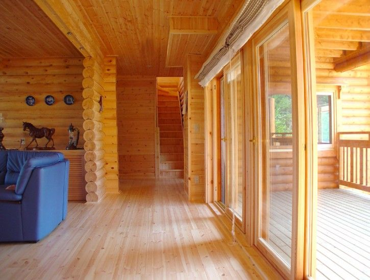 10 images about ikihirsi maisons en bois on pinterest for Interieur chalet bois