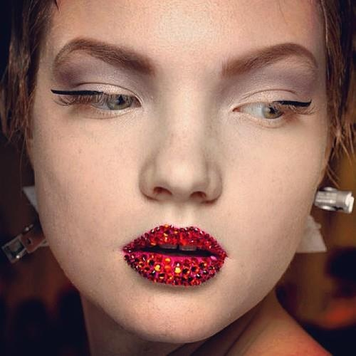 dior couture 13 ruby red crystal lips