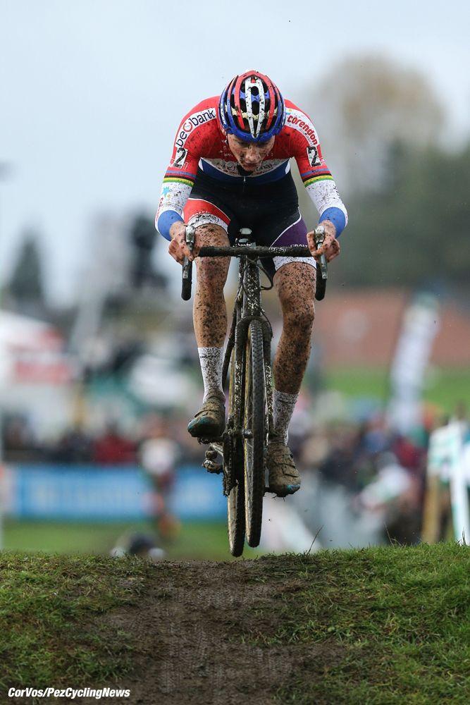 Mathieu van der Poel wins Grote Prijs van Brabant