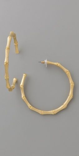 Such simple earring but I feel like I can never find any like these... regardless great.