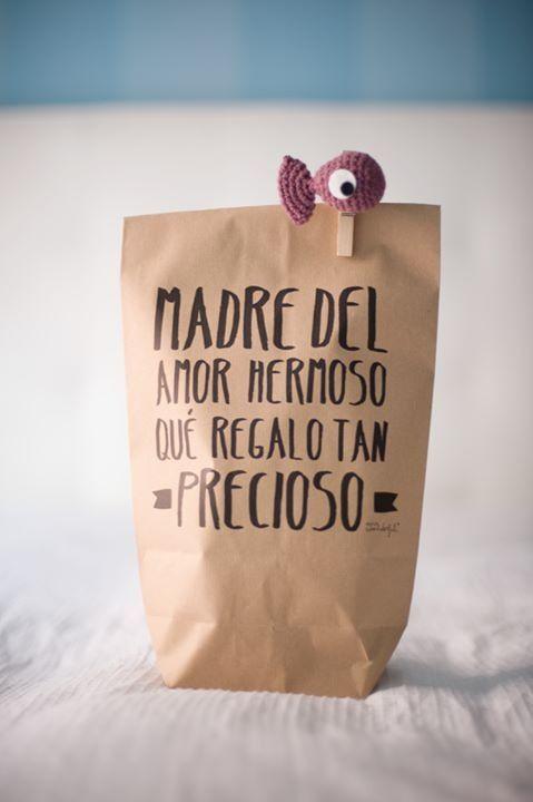 Pez-pinza y una bolsa chula para empaquetar regalos --- Fish for your gift wrapping (ElGalloBermejo.blogspo.com)