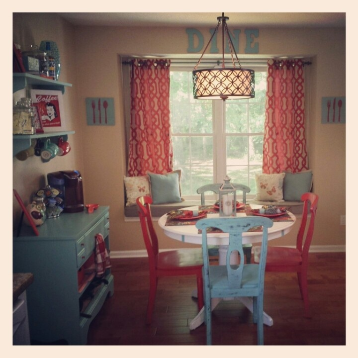 White Eat In Kitchen: 25+ Best Ideas About Red Kitchen Tables On Pinterest