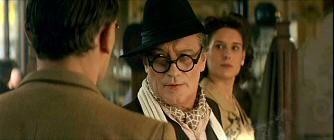 Monsieur Batignole.  This is one of my favorite scenes in French cinema. Sacha Guitry est magnifique !  «Plaît-il ?»   Cette prodigieuse rencontre dans un restaurant avec Sacha Guitry constituent à coup sûr les meilleurs scènes du film.