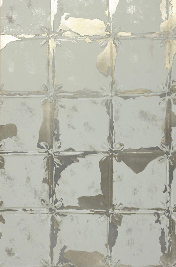 132,90€ Preis pro Rolle (pro m2 25,41€), Glamouröse Tapeten, Trägermaterial: Vliestapete, Oberfläche: Effektfolie, Glatt, Optik: Metallic Effekt, Schimmernd, Design: Kacheln-Imitation, Grundfarbe: Lichtgrau, Weissgold Metallic, Musterfarbe: Lichtgrau, Weissgold Metallic, Eigenschaften: Gute Lichtbeständigkeit, Schwer entflammbar, Trocken restlos abziehbar, Wand einkleistern, Waschbeständig