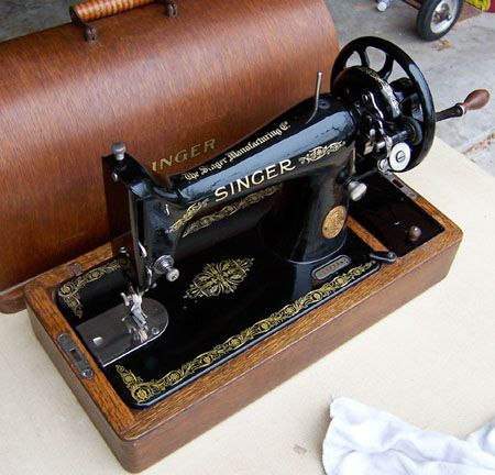 Restoring his Grandmother's Singer 99k Sewing Machine.