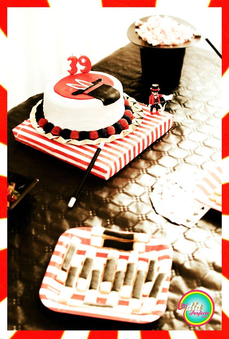 Mesa de cumpleaños de Magia