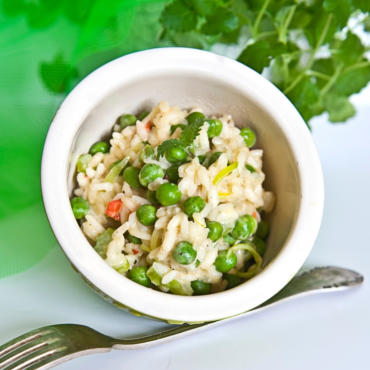 risotto with green peas and lemon balm - risotto z zielonym groszkiem i melisą