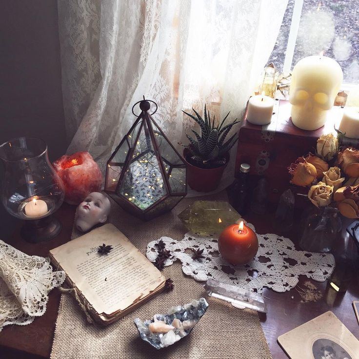 Unique Alternative Ideas For Decorating The Altar For A: 25+ Best Ideas About Altars On Pinterest