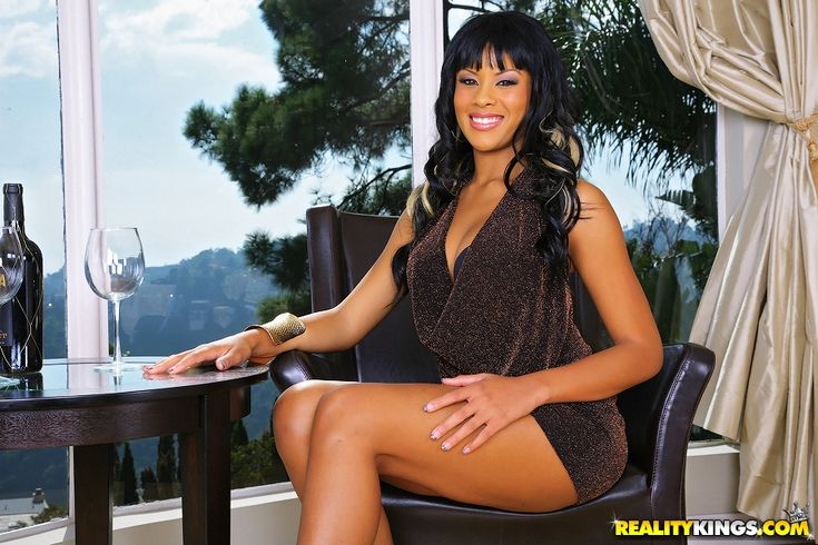 Rihanna rimes and misty stone chocolate muffins - 4 3