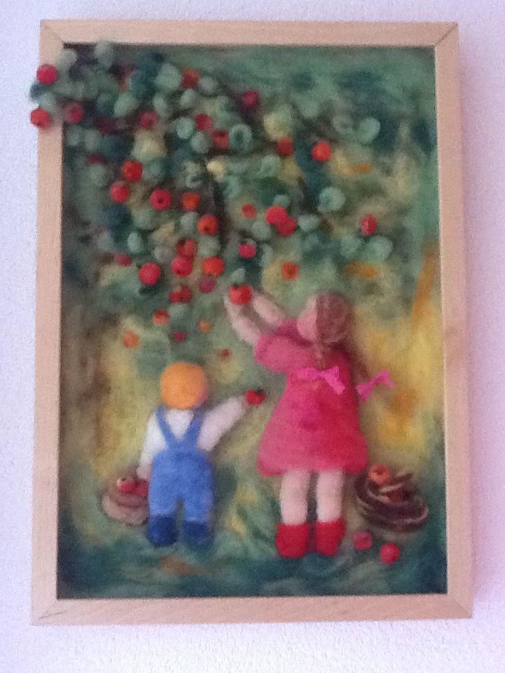"""Naaldvilt schilderij """"appels plukken"""" Rozemarijn needle felt Waldorf painting"""