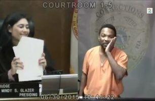 Gikk på barneskole sammen - møtes i retten som tiltalt og dommer