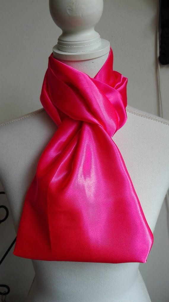 Hoi! Ik heb een geweldige listing op Etsy gevonden: https://www.etsy.com/nl/listing/475683458/roze-satijn-infinity-sjaal-cirkel-sjaal
