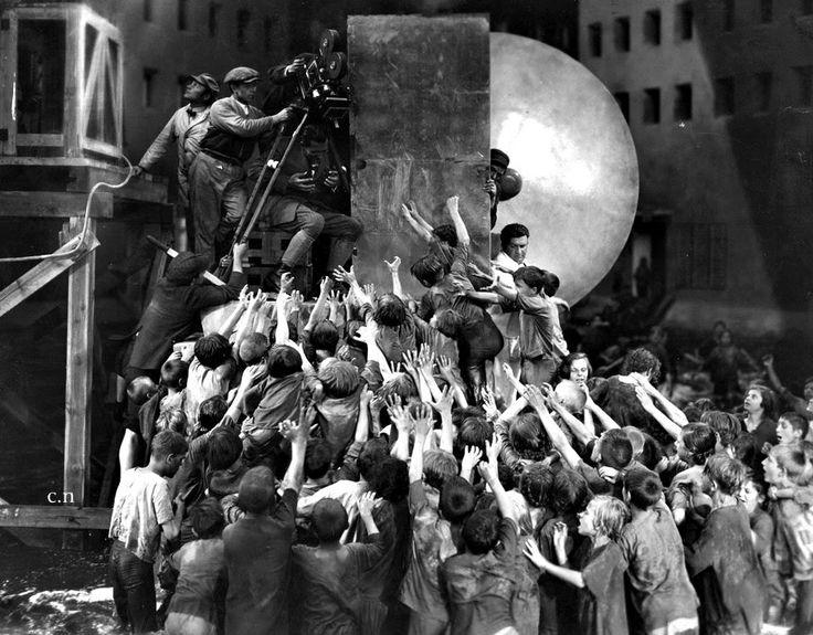 Metropilis Director: Fritz Lang