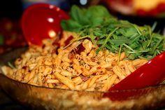 Pastasallad med tomatpesto och soltorkade tomater   Kryddburken