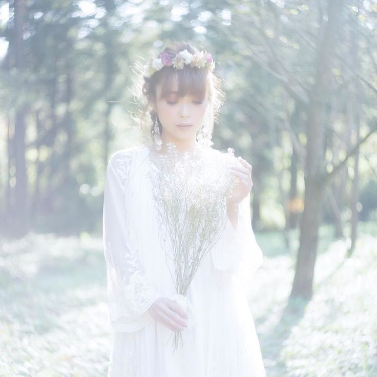 #helios44 #reco_ig #ファインダー越しの私の世界 #オールドレンズ #sonyimages #team_jp_ #vivid_impact #resourcemag #indies_gram #indy_photolife #daily_photo_jpn #bestjapanpics #vsco #top_portrait_photo #themoodoflife #jp_gallery #impression_shots #globe_people #phos_japan #Lovers_Nippon_Portrait #helios44_love #featuremeparachut #tokyocameraclub #portrait_vision #loves_portrait #pics_jp #igersjp . Model : Ayako @chibiaya525 Hair&Makeup : Ponta @soratomaru Flower Arrange : little garden mint Photo : SMILE CAMERA…