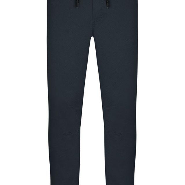 Pantalón de Ejercicio Negro con Tirantes  Categoría:#deporte_hombre #pantalones_deportivos #primark_hombre en #PRIMARK #PRIMANIA #primarkespaña  Más detalles en: http://ift.tt/2EAyR2U