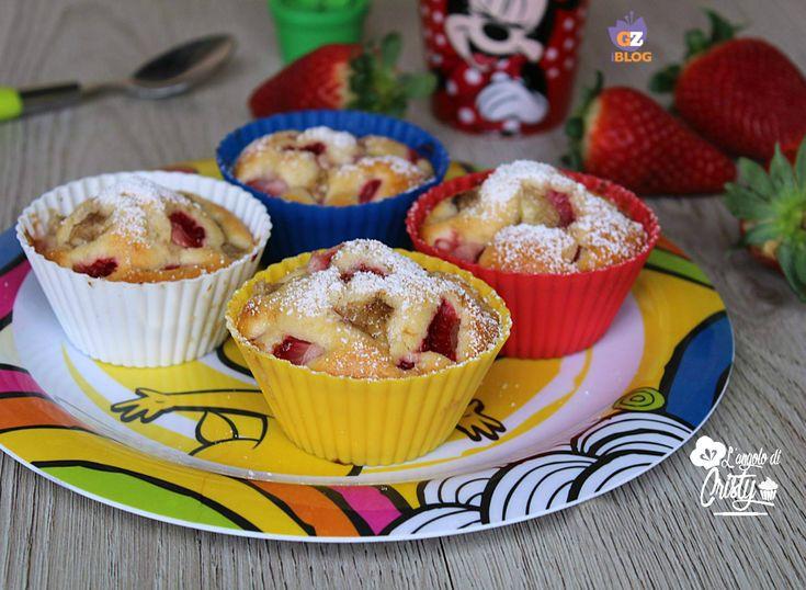 Questi muffin fragola e banana sono una vera delizia , un profumo meraviglioso e goloso, ottimi per la colazione o la merenda dei vostri bimbi !