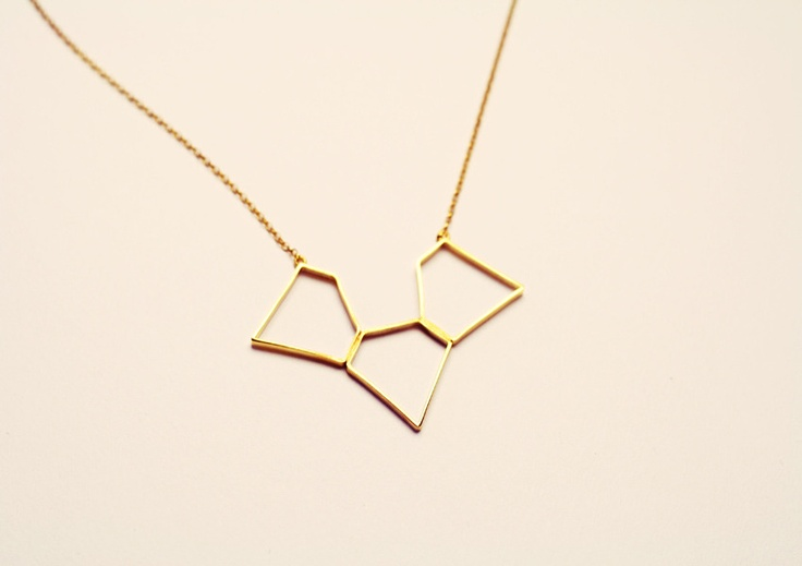 lovely necklace from paper and chainChains Trilogy, Paperandchain Bigcartel Com, Jewelry, Chains Necklaces, Trilogy Necklaces, Diamond Necklaces, Accessories, Paper Chains, Diamonds Necklaces