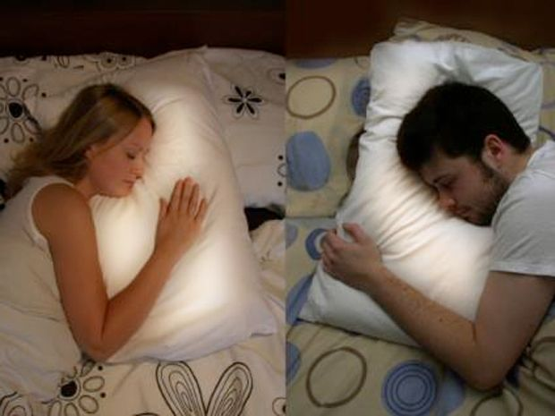 this pillow glows when your long distance partner goes to. Black Bedroom Furniture Sets. Home Design Ideas
