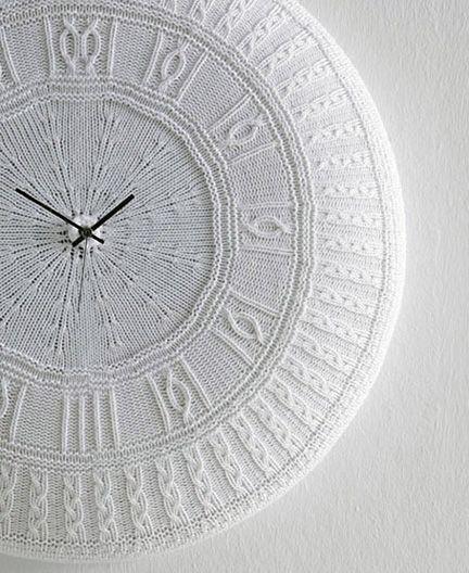 Cotton Clock  Designer: Carlo & Benedetta Tamborini