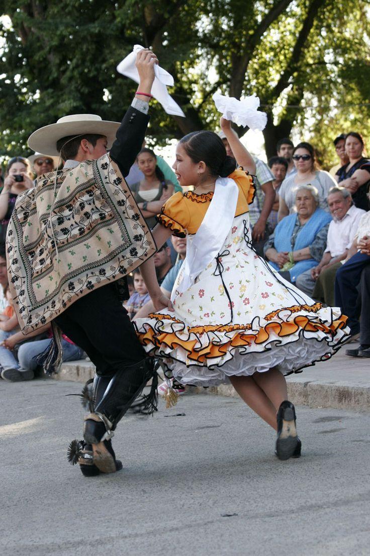 En la Plaza de Armas de Las Cabras se celebró la Fiesta de Arte y Cultura de Cachapoal Sur - Noviembre 2012