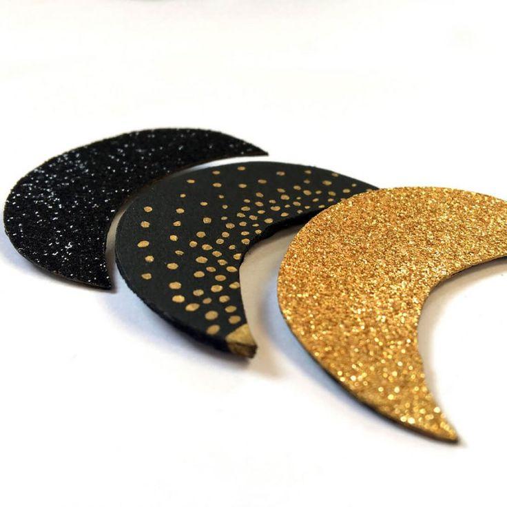 Réaliser des broches lunes à paillettes, un DIY facile pour un accessoire idéal ! Making moon pins with sequins, an easy DIY for an ideal accessory!