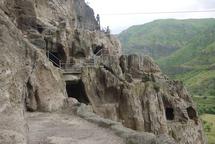 Vardzia - miasto skalne #Georgia #Gruzja