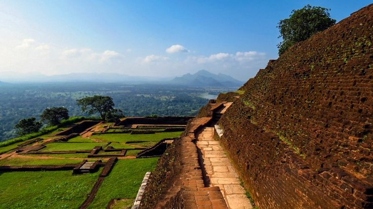 Shaun & Shane Tour Operators will take you on a journey back in time to the ancient cities of Kandy, Polonnaruwa, Sigiriya, and the tea estate of Nuwara Eliya and go on a wildlife safari.