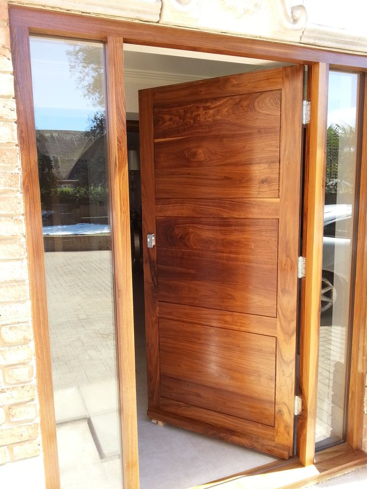 Custom made front doors give a golden opportunity to stamp your own personality onto your home. Setting the tone and tying the style of your home together. From the many inspired creations we have produced, here are a few of our favourites.