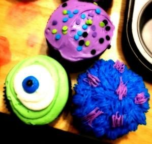 Amelia's monsters inc cupcakes by Raelynn8