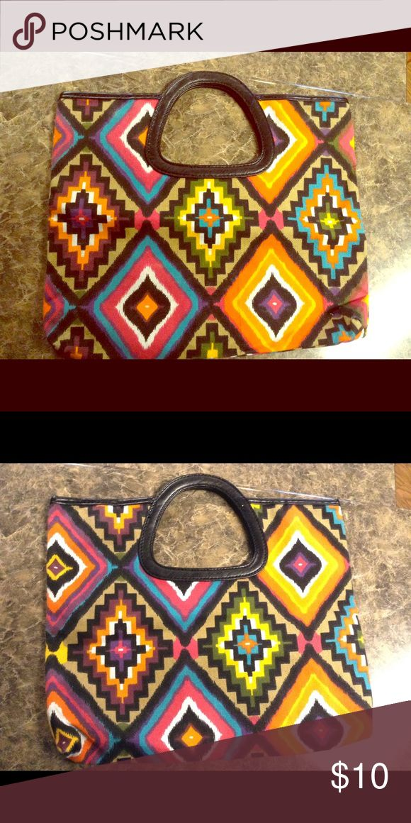 Flat Aztec clutch Beautiful eye catching clutch.. Flat beautiful like new Bags Clutches & Wristlets