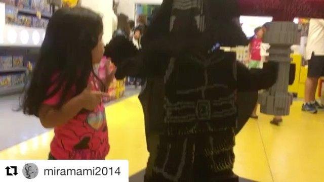 #Repost @miramami2014 with @get_repost  Yo soy tu PADRE !!!#starwars #starwarsfan #miramamia #miramami #legostarwars #lego #happy