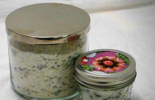 Lavanta Süt Banyosu Losyonu Yapımı  Kaynak : http://www.elisicalismalari.com/2013/10/lavanta-sut-banyosu-losyonu-yapimi.html                                                                    Gerekli malzemeler; 1 su bardağı yulaf ezmesi 1 su bardağı süt 1 su bardağı kabartma tozu20-30 damla aktarlardan satın alabileceğiniz lavanta yağı, dörtte bir su bardağı kadar lavanta çiçeğinin tomurcukları ya da kurutulmuş çiçekler.