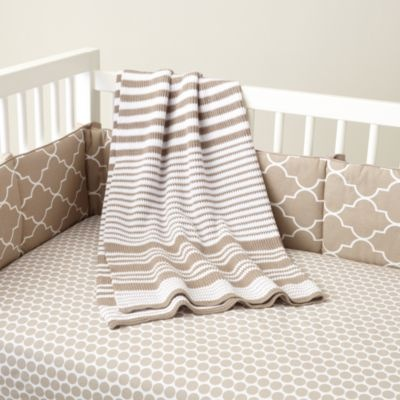 Pretty Monochromatic Room  #babybjornus & #pinandwin